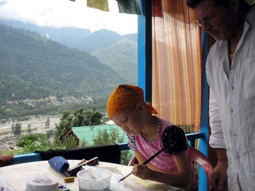 а это настоящий урок рисования в Гималаях с Патриком, художником из Канады