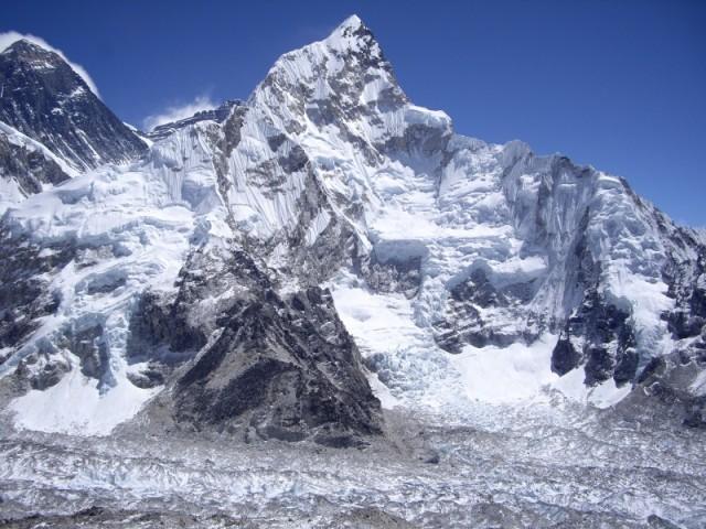 Я то, наивный, думал Эверест передо мною, на всех  фотках он в углу оказался!