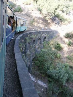 Из поезда можно высунуться