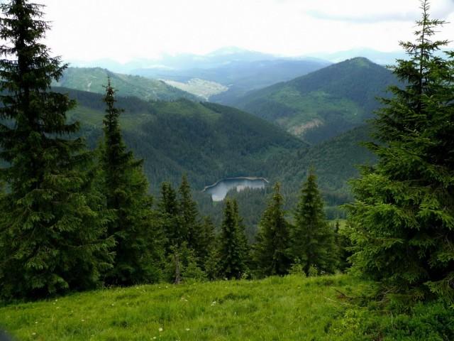 озеро Синевир с горы Озерная