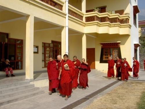 монахи Гьюто