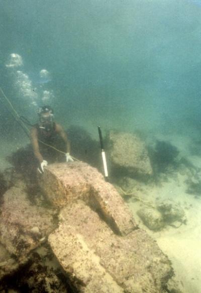 фотка с подводных раскопок на месте Двараки