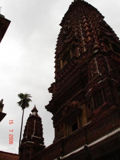 Храм 99 Будд