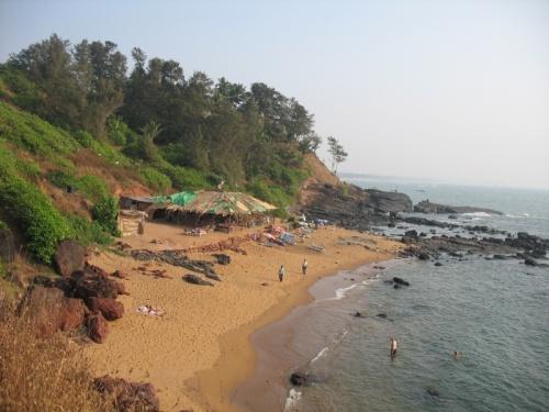 маленький пляж после между багой и Анджуной