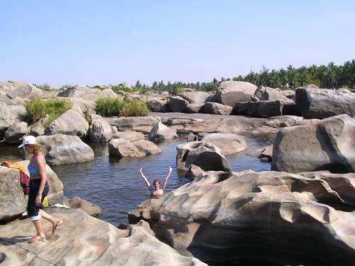 Хампи, водопад