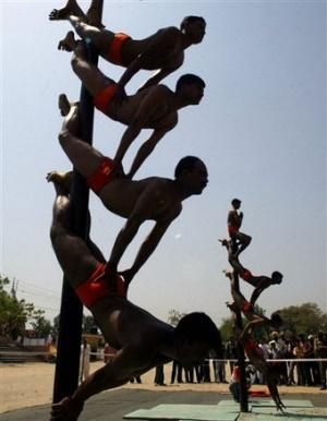 Солдаты-акробаты из Джамму