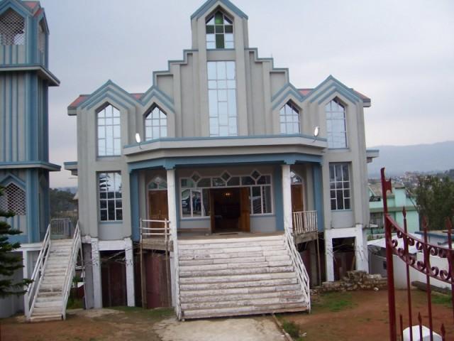новый  храм в Шиллонге