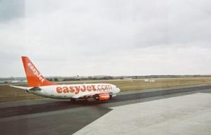 Думай о хорошем - я могу исполнить :-) бюджетный перевозчик EasyJet в компенсацию за скромный сервис на борту приоритеты отдает безопасности полетов. Жаль, вот, в Азию не летает, да и в Москву-Киев тоже :-(