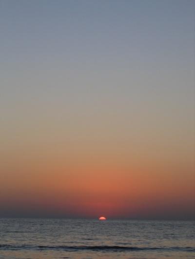 Впервые я лично видел, как солнце садилось прямо в океан