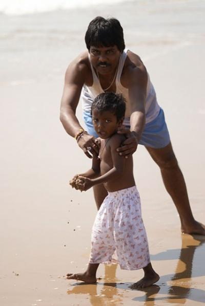 ... но папа ему не разрешил :)    пляж для индусов