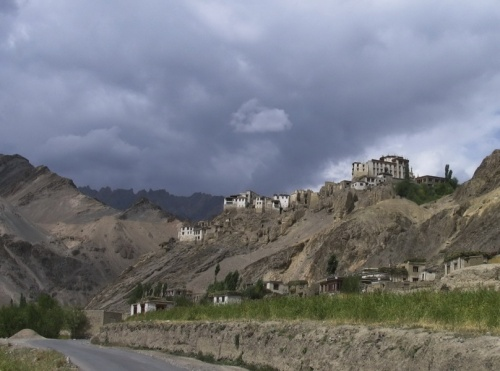 Монастырь с дороги