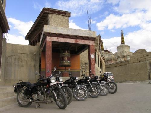 Отель у монастыря. Кто-то путешествует командой :)
