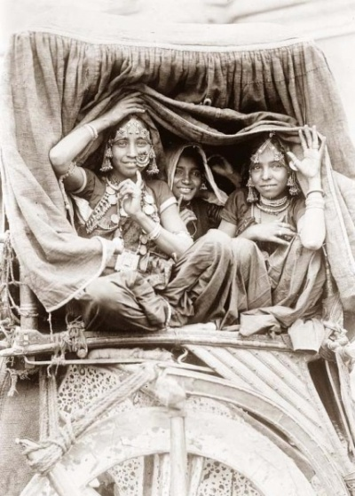Nautch girls, India.