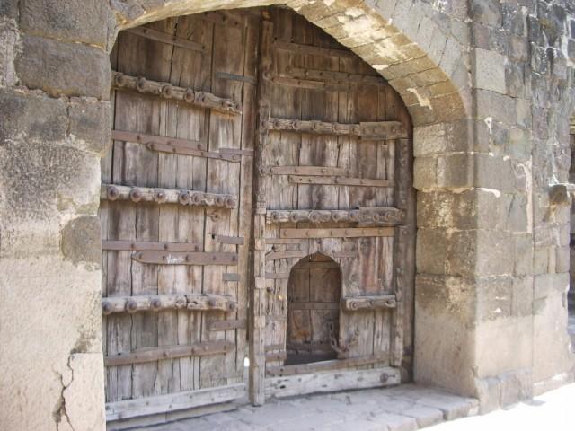 Загадка маленькой дверки...