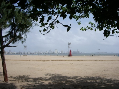Мумбейск в ясный муссонный день