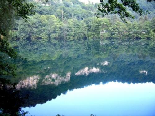 Голубые озера, точная глубина до сих пор не установленна