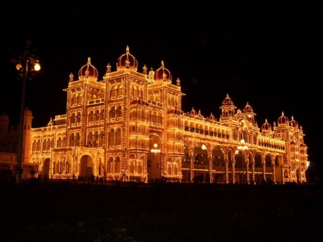 дворец махараджи Майсура ночью (1)