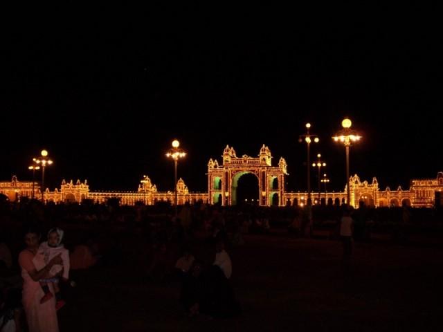 дворец махараджи Майсура ночью (9)