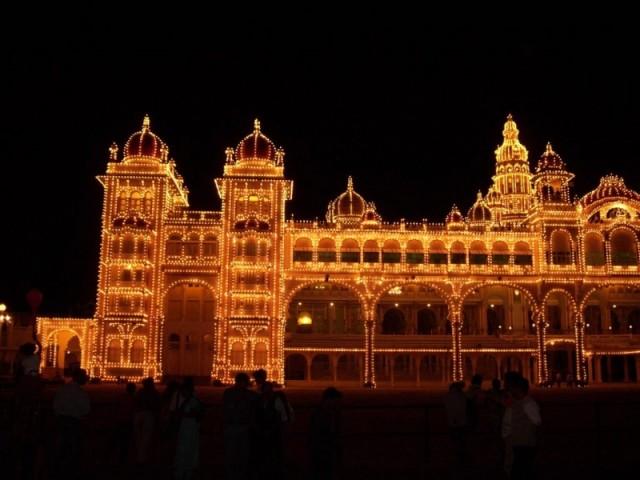 дворец махараджи Майсура ночью (10)