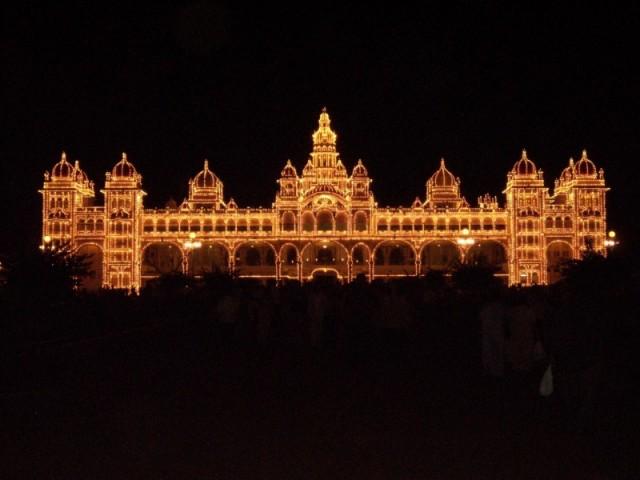 дворец махараджи Майсура ночью (13)