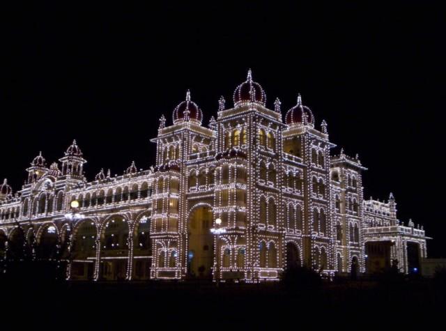 дворец махараджи Майсура ночью (14)
