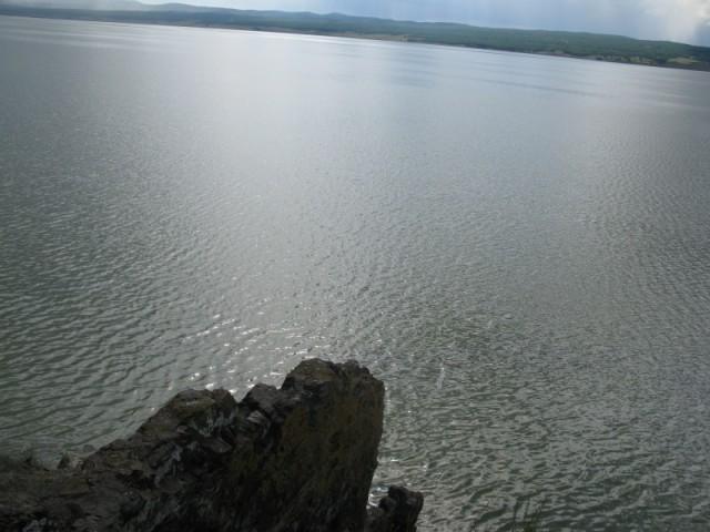 Черное озеро(говорят что через это озеро раньше в древнем мире шёл аквадук,сдесь видно какоето начало)