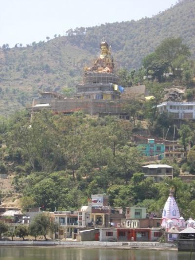 статуя Гуру Падмасамбхавы