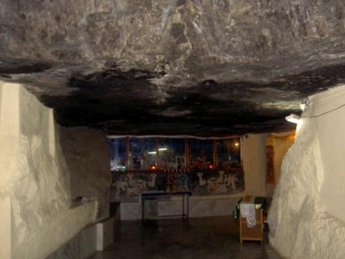 пещера, где медитировал Гуру Падмасамбхава