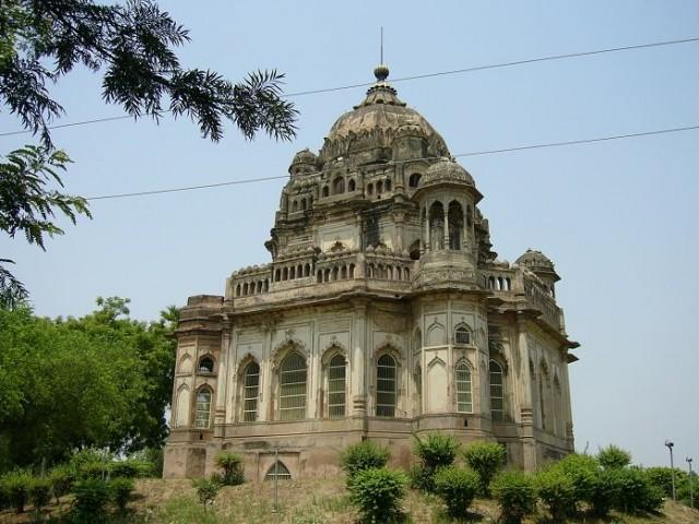 Begum Khurshidzadi's Tomb (Luchnow)