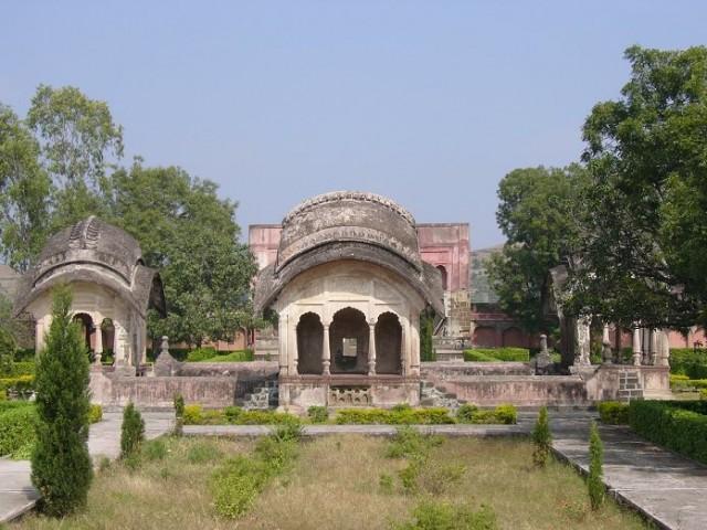 Bani Begum's Tomb (Khuldabad)