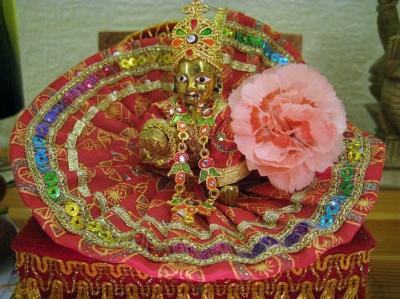 Happy birthday, dear Krishna. Happy birtyday 2U!