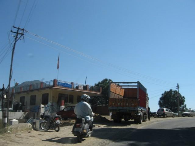 Bajaj Где-то недалеко от Шимлы