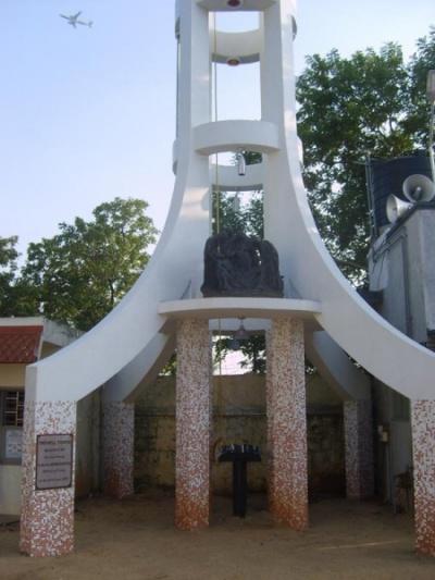мемориал в честь погибшего христианина на холме св. Фомы в Ченнае (1)