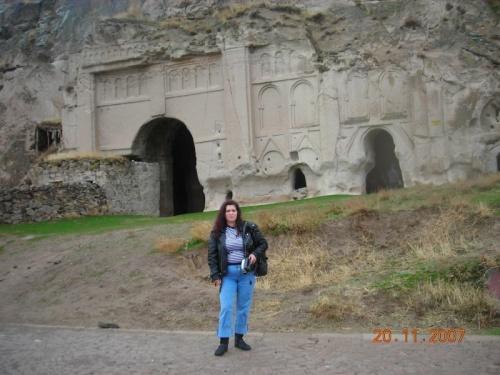 Скальный монастырь в Ихлара