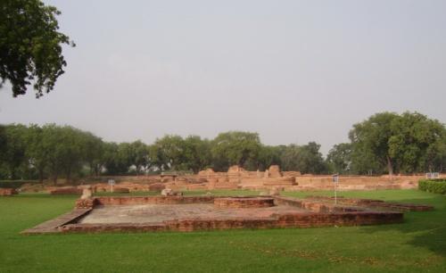 Раскопки буддистского монастыря
