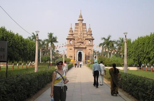 Храм - новый или отреставрированный, не помню