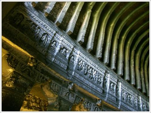Скальные храмы Аджанты