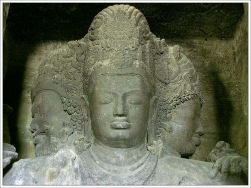 Тримурти (Махеш Мурти) Шивы. Скальные храмы острова Элефанта