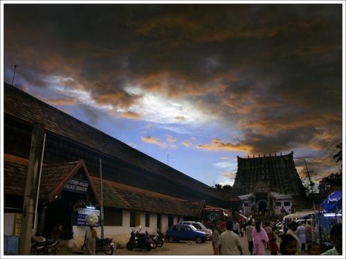 Знаменитый храм в Тируванантапураме