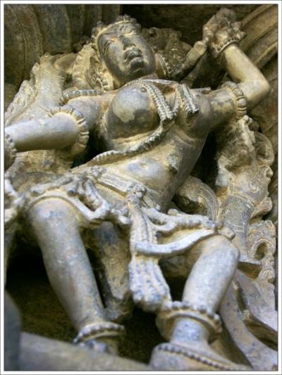 Танцовщица. Храмы Белура