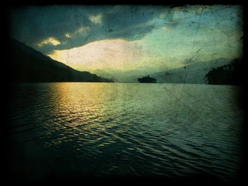 Покхара. Озеро