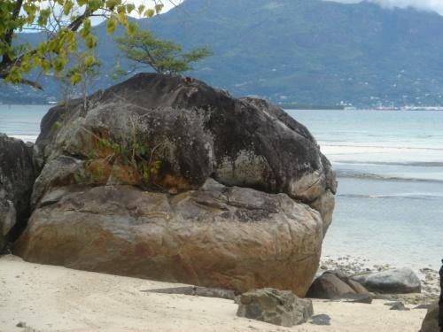 Камни острова St Anne