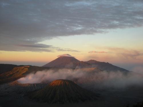 Вулкан Бромо, остров Ява, Индонезия