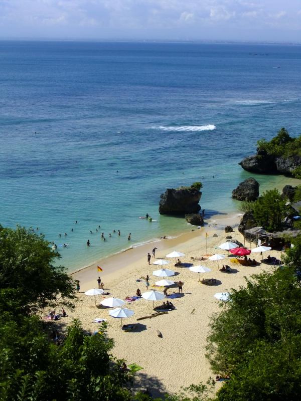 Вот и пляж то сам, Паданг-Паданг!!!