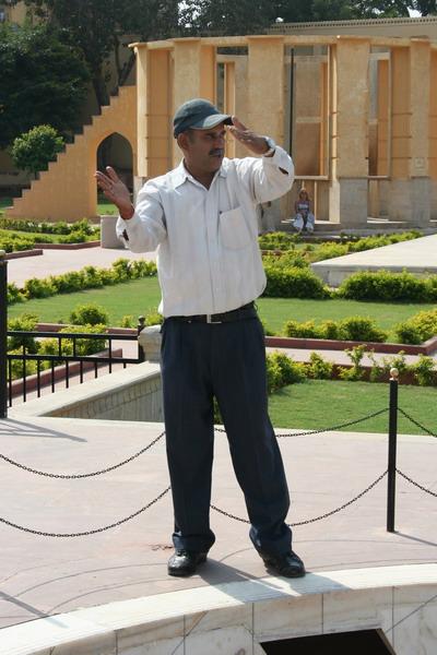 Джайпур. Работник обсерватории