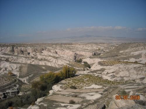 Долин Чат сверху.В центре фото в розовых дюнах вы можете увидеть отверстия-вам туда