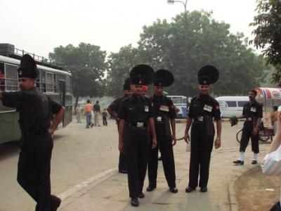красавцы военные