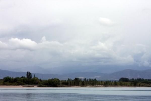 Иссык-Куль, горное озеро:)