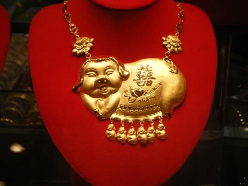 ожерелье. ювелирный маг в Chinatown, Washington
