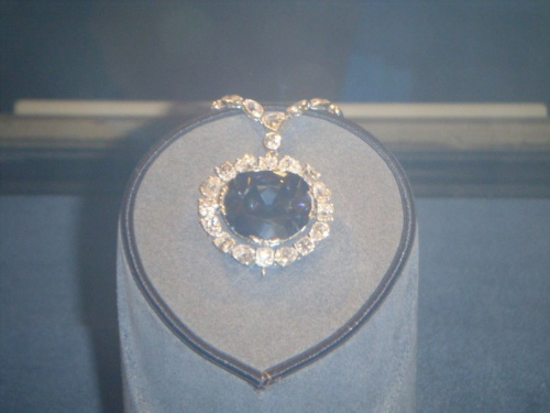 знаменитый Hope Diamond из индии. Natural History Museum, Washington